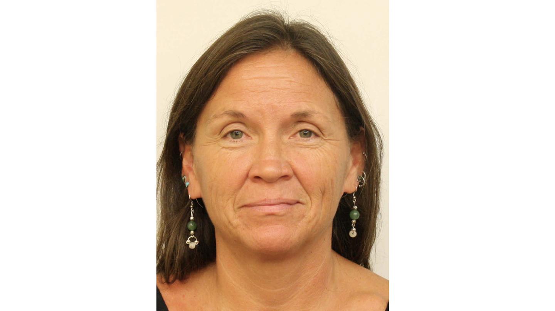 Portrait photograph of Jen Harrington.