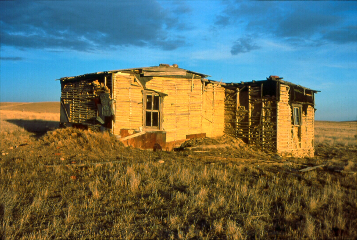 Seven children were raised in this homestead cabin north of Circle. (Photo by Rick and Susie Graetz)