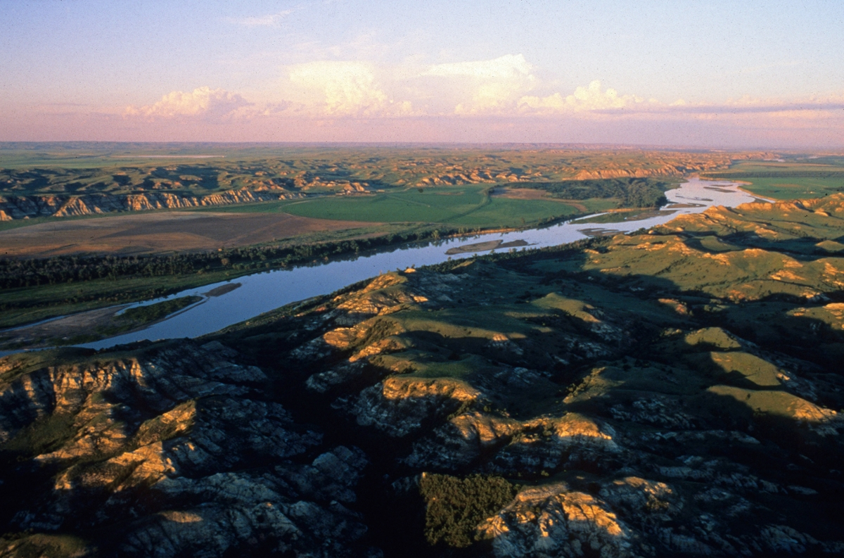 aerial photo of Missouri River above confluence of Yellowstone River